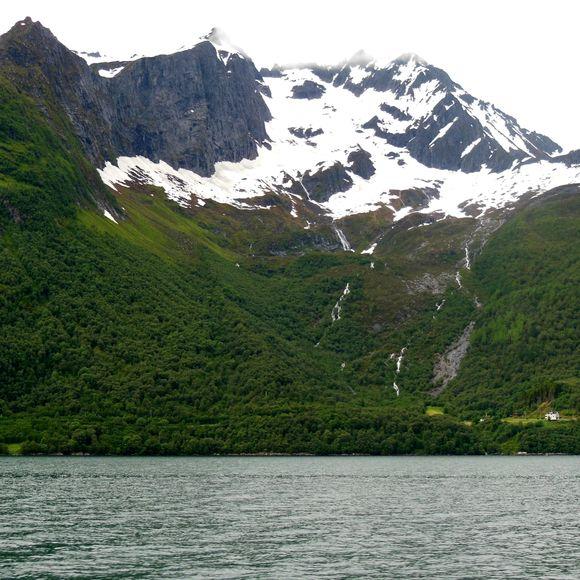 image from http://talltalesfromkansas.typepad.com/.a/6a01538dee917a970b017616027e24970c-pi